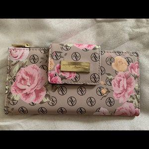 Adrienne Vittadiini Wallet